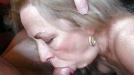 Ragazza in camicia bianca cavalca donne mature vogliose di sesso grande sulla sua gallina